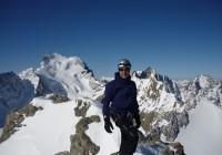 J2 : Au sommet de Neige Cordier. Au fond le Dome des Ecrins