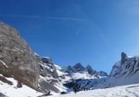 Du monde en ski pour un jour de semaine